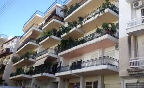 Πολυκατοικία στη Σμύρνης, Πάτρα